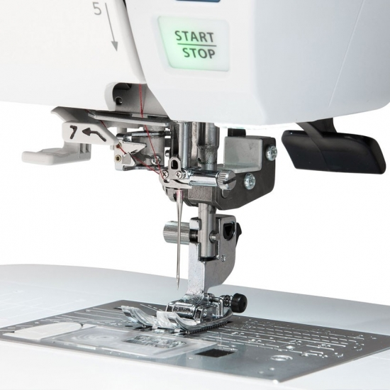 Швейная машина Janome Skyline S6