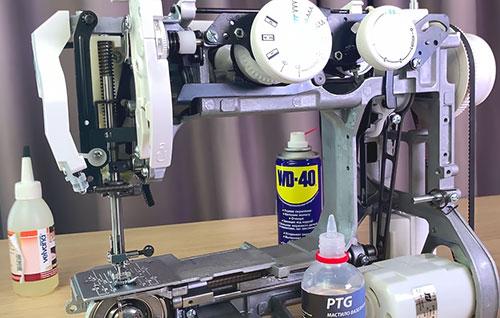 Чем и где смазывать швейную машину? Какое масло лучше выбрать для швейной техники?